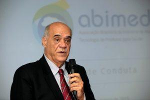 Evandro Guimarães, no lançamento do código de conduta da Abimed
