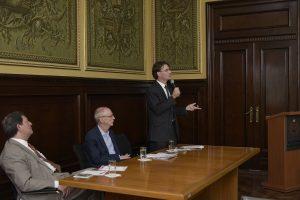 Da esquerda para direita: Edson Vismona (Presidente do ETCO), Francisco José Carbinari (Secretário Adjunto de Educação)e Gusta Ungaro (Ouvidor Geral do Estado)