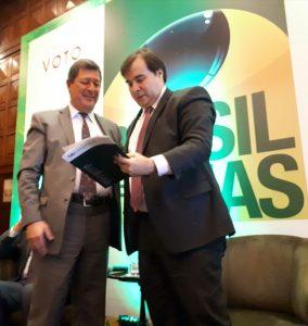 Evento Revista Voto_entrega Rodrigo Maia