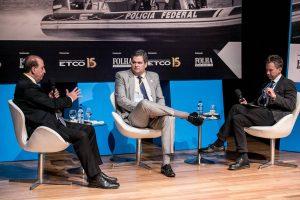 O ministro do TCU (Tribunal de Contas da União) Augusto Nardes, o diretor-geral da PRF (Polícia Rodoviária Federal), Renato Dias, e o mediador e jornalista da Folha Fernando Canzian, durante o seminário patrocinado pelo ETCO, em Brasília - Keiny Andrade/Folhapress
