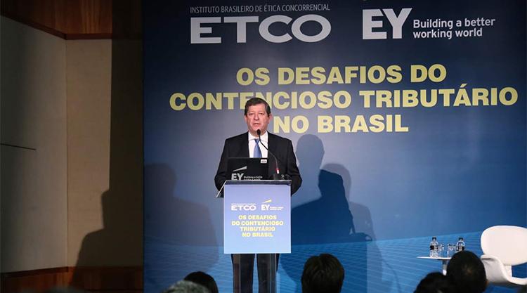 Contencioso tributário brasileiro ultrapassa 50% do PIB
