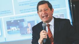 Em evento em Brasília, Edson Vismona cobrou menos retórica e mais ação contra o contrabando