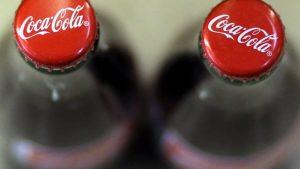 size_810_16_9_garrafas_de_coca-cola_vistas_de_cima